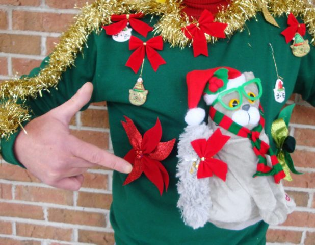 clever-ugly-christmas-sweaters-7__880