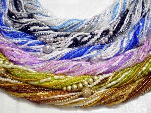 Как сделать украшение из бисера своими руками?