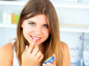 Как Сделать Губы Пухлыми: 3 Простых Эффективных Способа И Хитрости