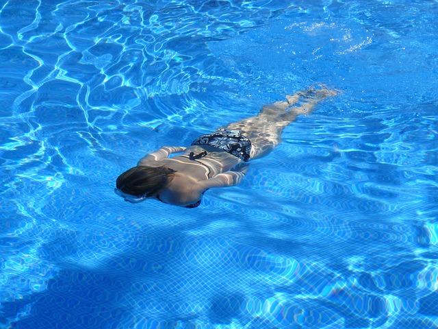plavanie dlya poxudenia