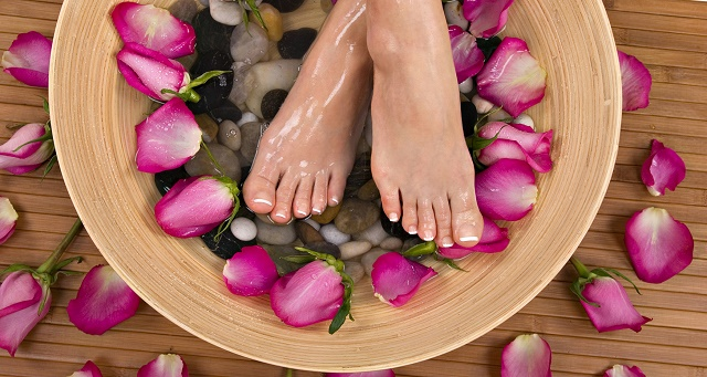 запах ног у женщин