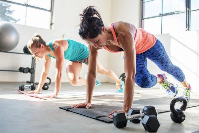 Почему девушкам стоит ходить на фитнес