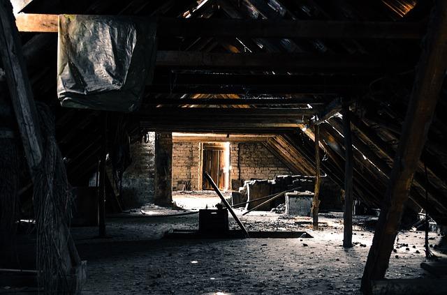 attic-112269_640