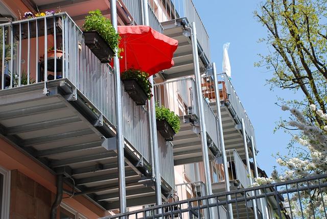 balconies-322926_640