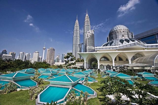 как долго беларусы могут находиться в малайзии без виз