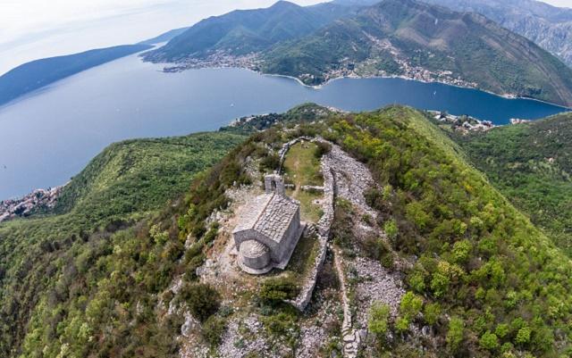 горня ластва черногория