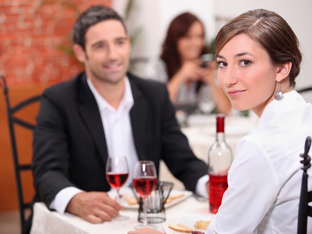 Правила этикета для девушек в ресторане