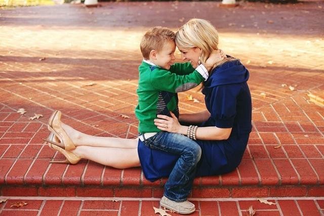 Как воспитать сына одинокой маме