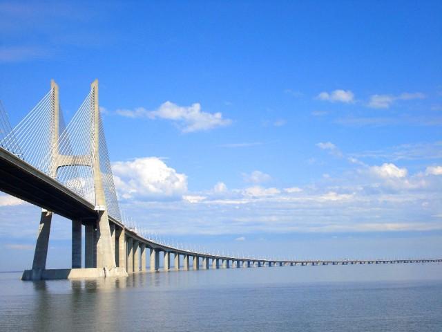 Мост Васко да Гамы