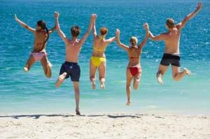 7 интересных игр с друзьями и детьми на море и пляже