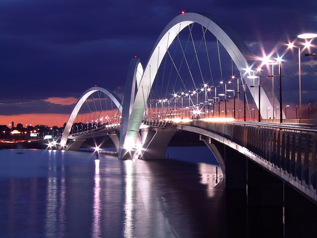 Мост Juscelino Kubitschek