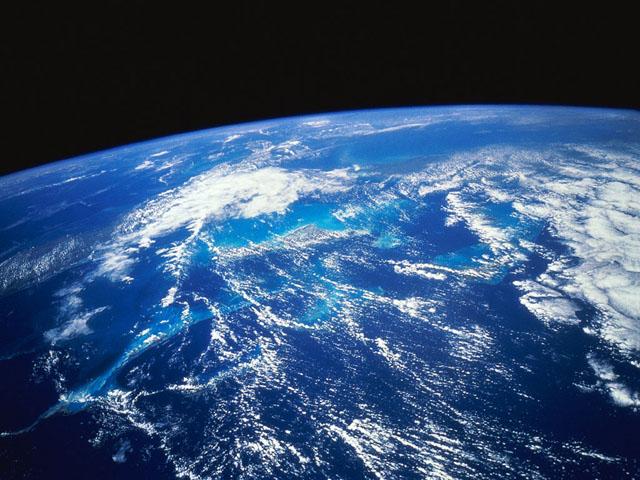 почему земля крутится вокруг солнца