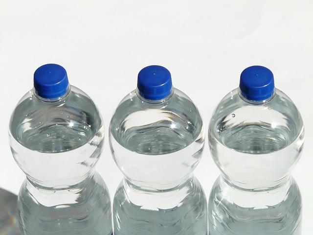 пластиковая бутылка разлагается