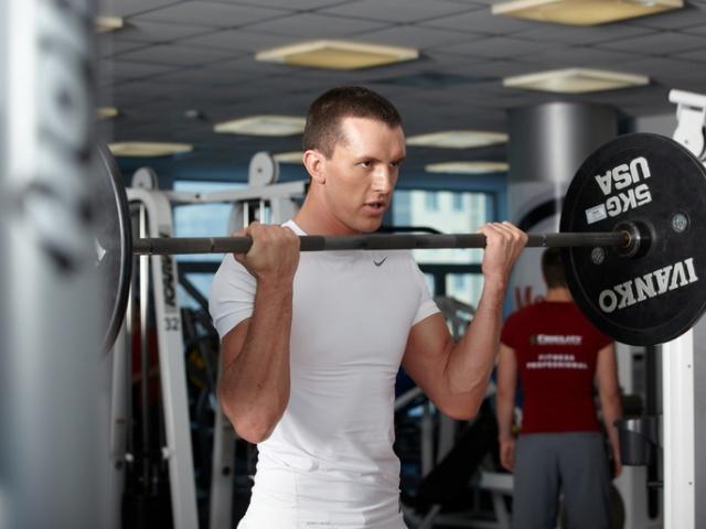 программа тренировок для парней в тренажерном зале