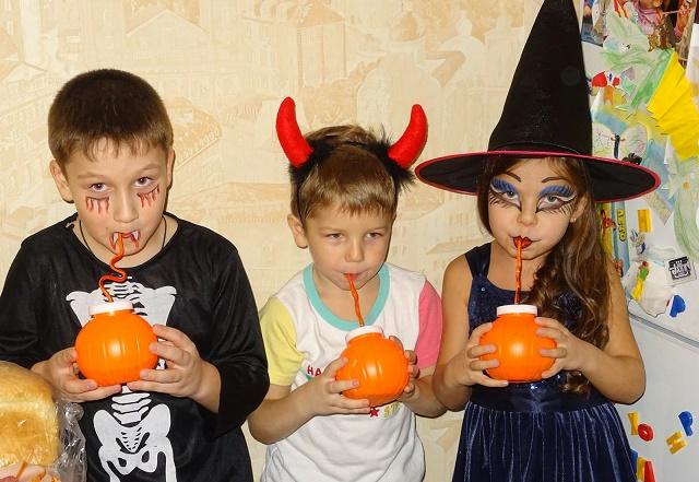 Хэллоуин для детей дома