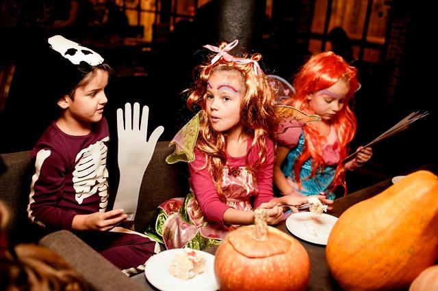 как развлечь детей на Хэллоуин