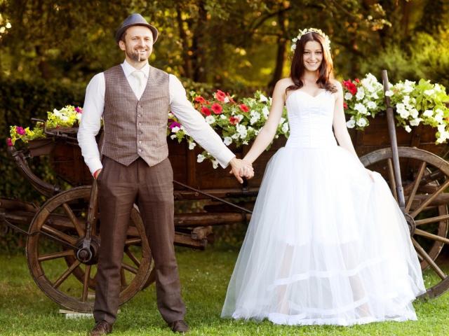 какое платье одеть на свадьбу осенью