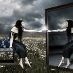 Почему нельзя спать напротив зеркала: узнайте про важные аспекты в одной статье