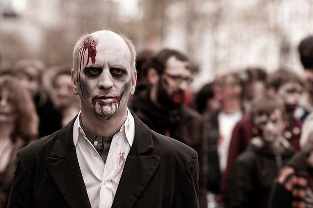 страшные костюмы на Хэллоуин своими руками