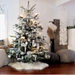 Как наряжать елку на Новый год 2017: цветовые схемы, расположение игрушек и их изготовление