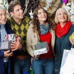 Что подарить родителям на Новый год 2017: только не дарите всякую ерунду