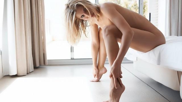 женщина первый раз занимается сексом