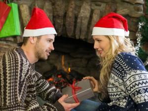 Что подарить жене на Новый год 2017: порадуй любимую необычным подарком