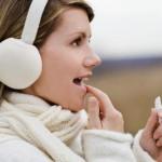 Что делать, чтобы не трескались губы зимой на холоде и морозе