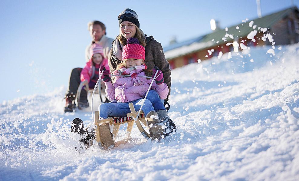 Развлечения детей зимой