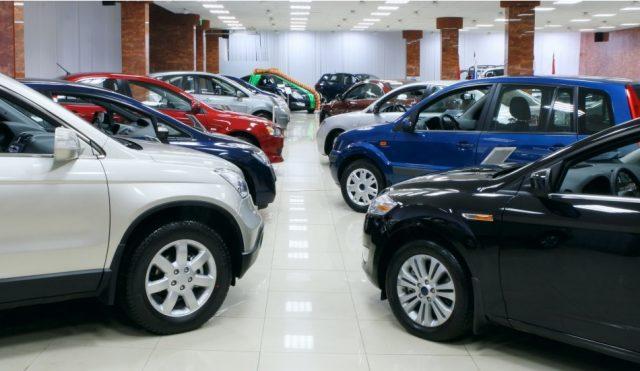 в какое время года выгодно покупать автомобиль