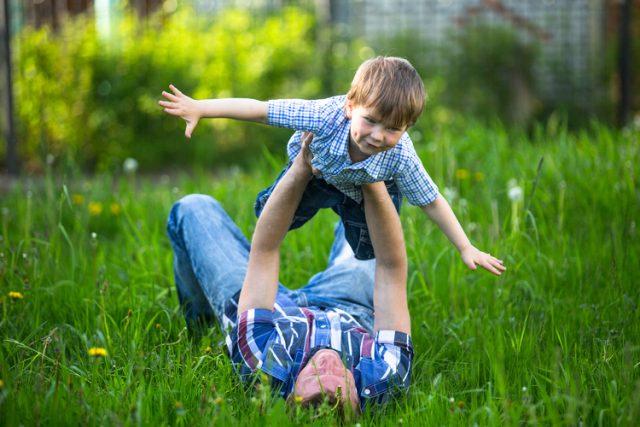 как занять ребенка летом