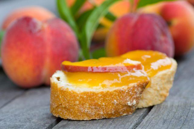 Персиковое варенье простое