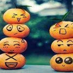 Чем эмоции отличаются от чувств?
