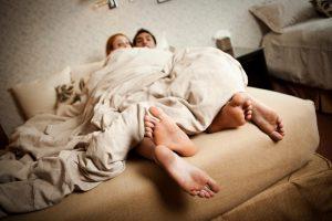 Как узнать, что партнер изменяет: 9 признаков неверности