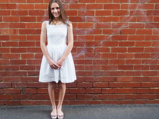 Платья на выпускной миди