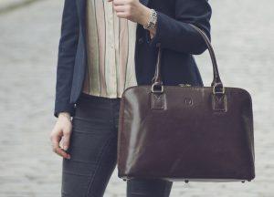 Как выбрать женскую деловую сумку: гайд по самым важным параметрам