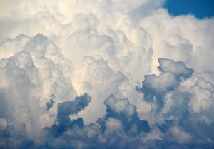 Почему облака не падают на землю?