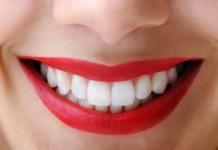 Самый простой способ, как убрать зубной камень дома самостоятельно