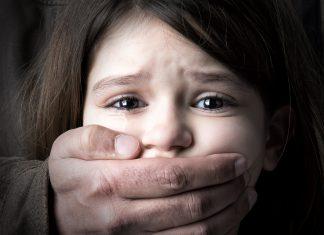 Защити своего ребенка и узнай, как говорить с детьми о насилии