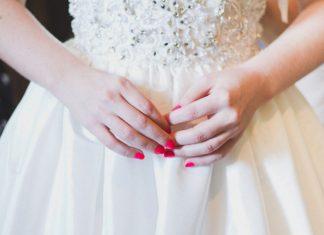 Идеи свадебного маникюра: от строгой классики до ажурной милоты