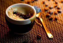 Чай или кофе: разбираемся, что из напитков вреднее