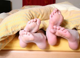 Как убрать запах ног: прочитайте сейчас важные советы дерматологов