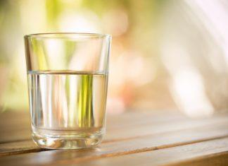 Узнайте, реально ли человеку нужно выпивать 2 литра воды в день!